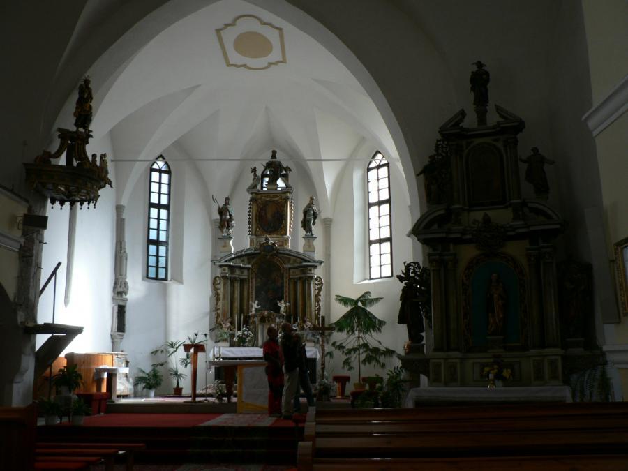 katolicky_kostol_(11).jpg