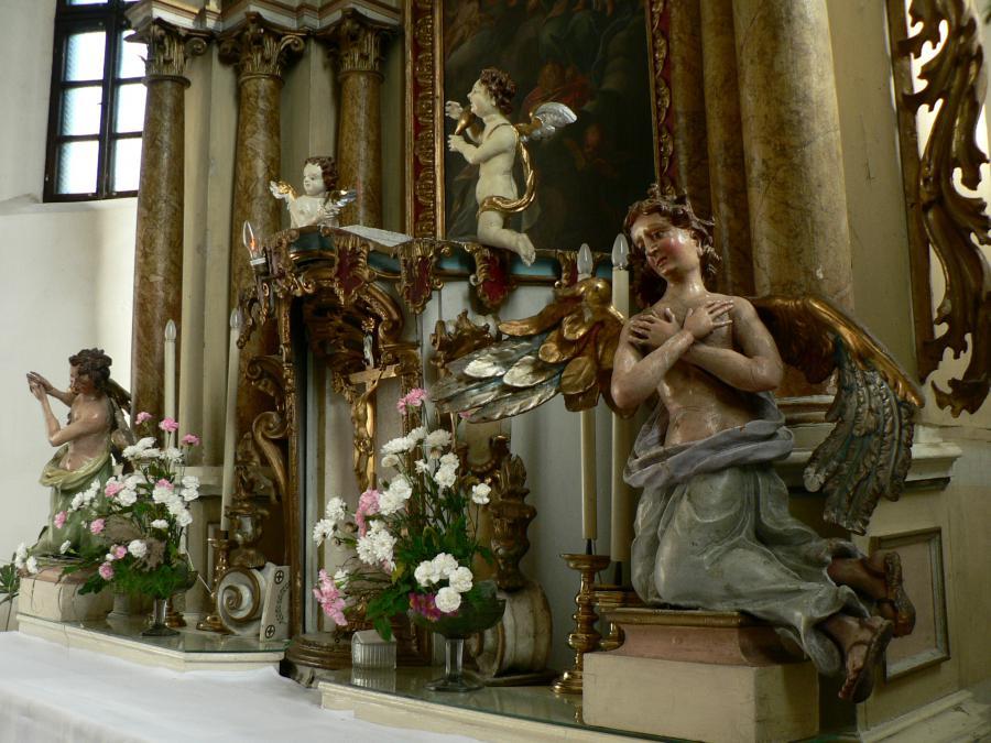 katolicky_kostol_(15).jpg