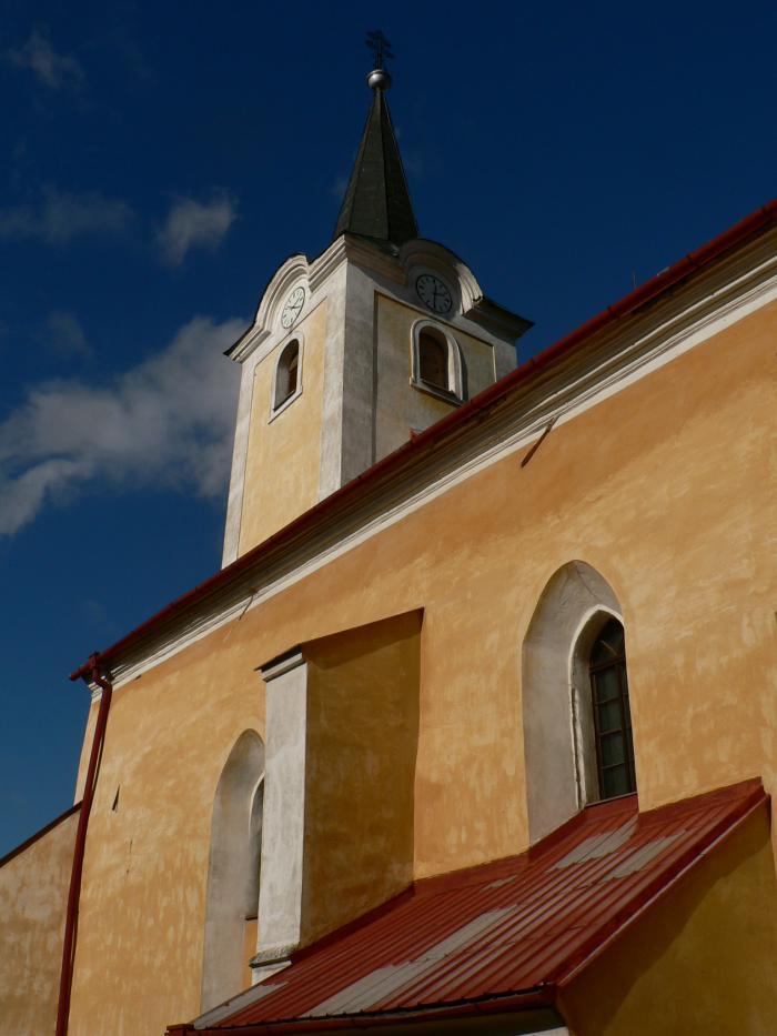 katolicky_kostol_(6).jpg